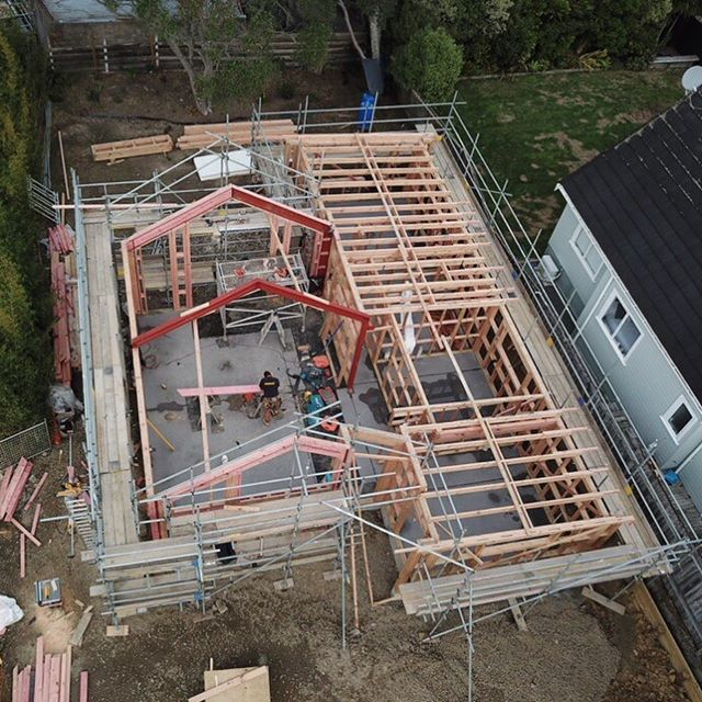 The Tahi House starting to take shape - on track to get the roof on. 🏠🔨🔥 well done boys.