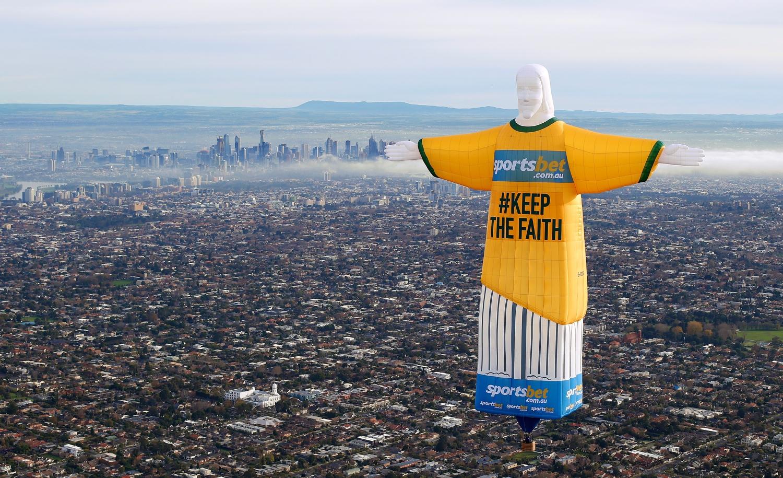 Christ the Redeemer Hot Air Balloon over Melbourne MEL02.jpeg
