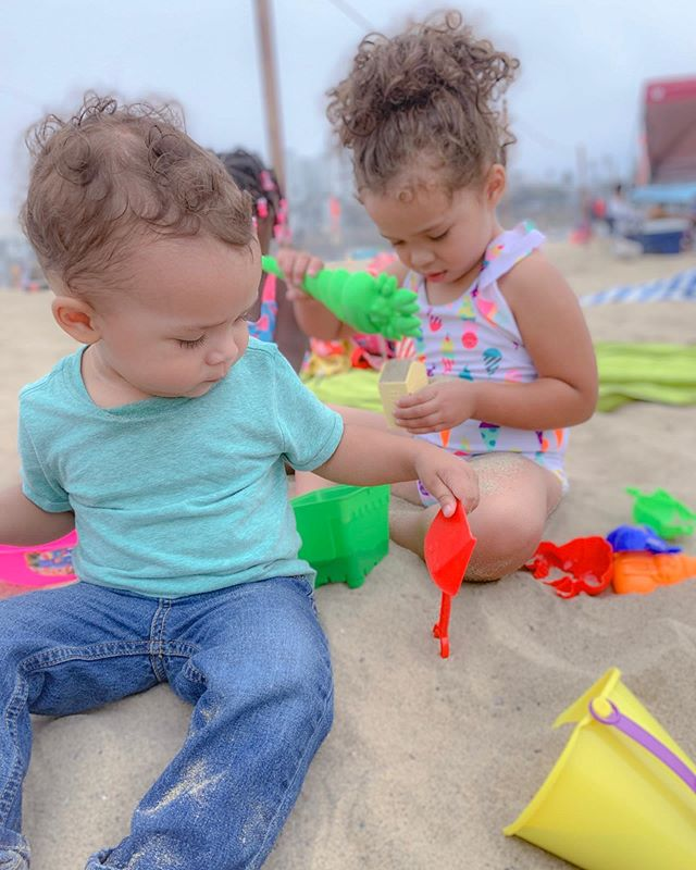 My cuties playing in the sand! We had a great time in the LA area celebrating my moms birthday! I'm so glad we could all get together! . . . . . . #kieraelizabeth #kendrikjoseph #kendrik #dailyparenting #honestmom #mamablogger #momblogger #momswhoblog #thisismotherhood #justmomlife #bloggerlife #sahm #sahmlife #motherhoodunplugged #reneeela #sacramentoblogger #sactownmoms #sacmoms #goodvibes #love #cali #la #santamonica #beach #beachday