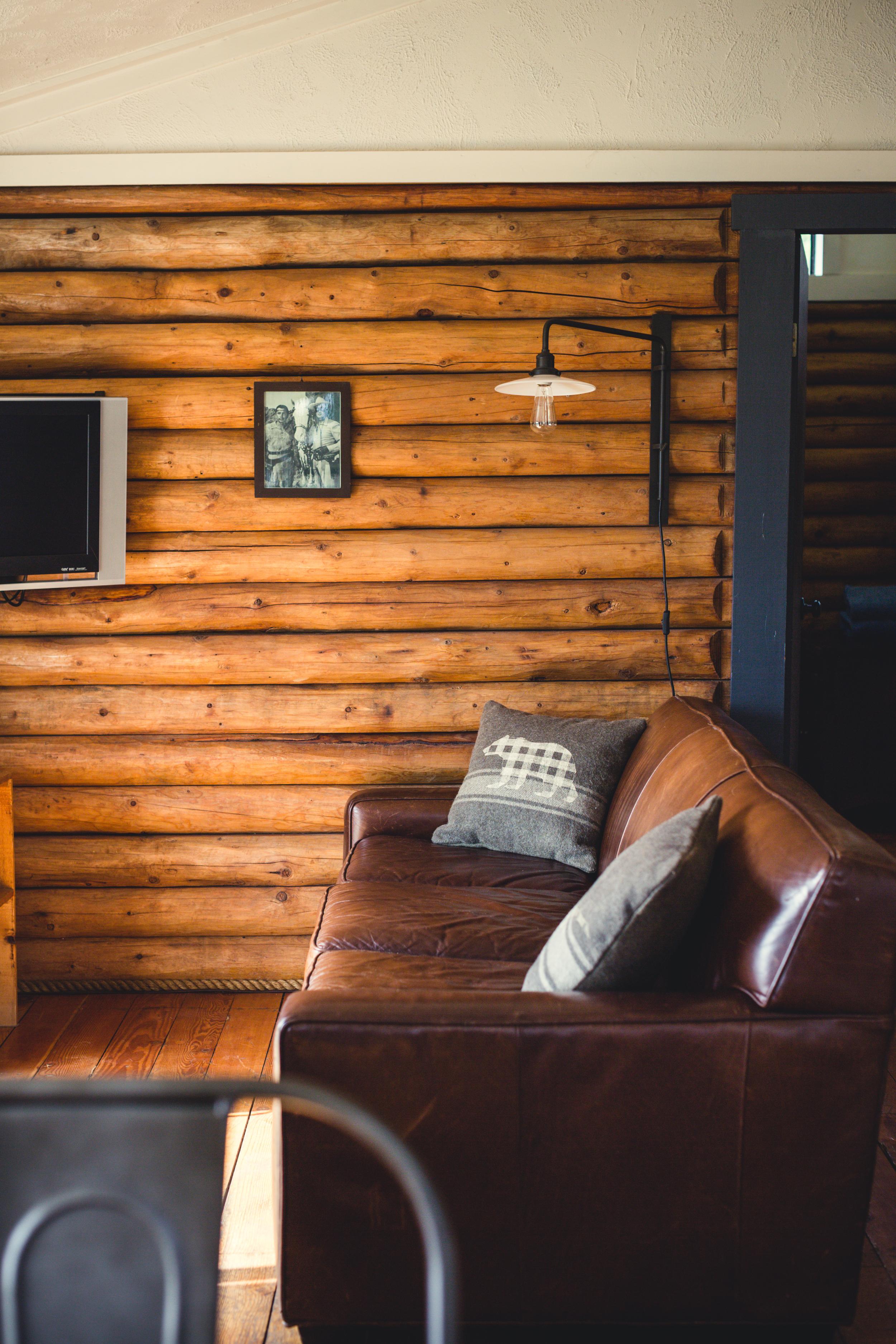 150402_Bodega_Cabin_Interior_98.jpg