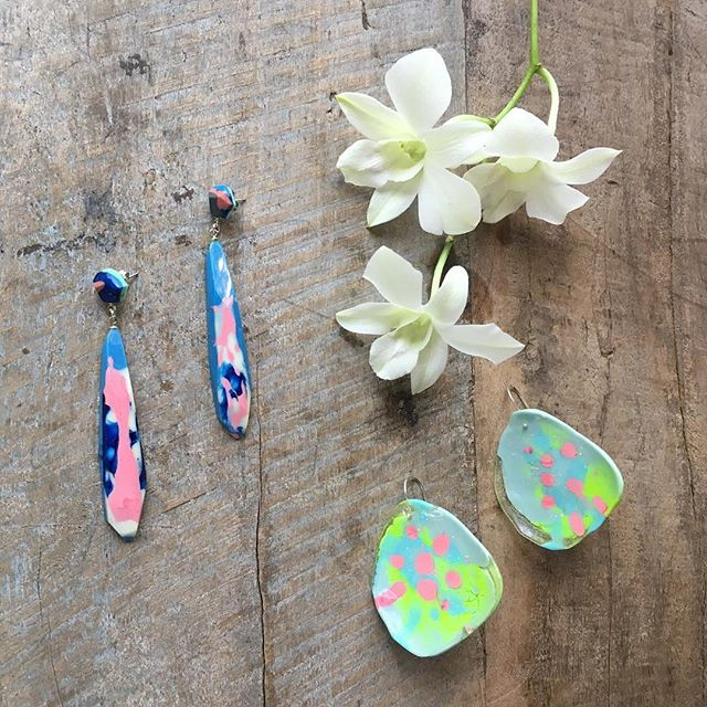 30% OFF SALE NOW ON 🌸🌸 SPRING30 promo code 🌸🌸store link in bio 🌸🌸 ceramics, earrings, necklaces & rings 🌸🌸. . . . . . #fallingforflorin #onlinesale #springsale #earrings #earbling #flockcuriosityassembly #resin #australianmade #madeinaustralia #keywest #islandlife #resinjewelry #resinearrings #hotblingmama #orchids