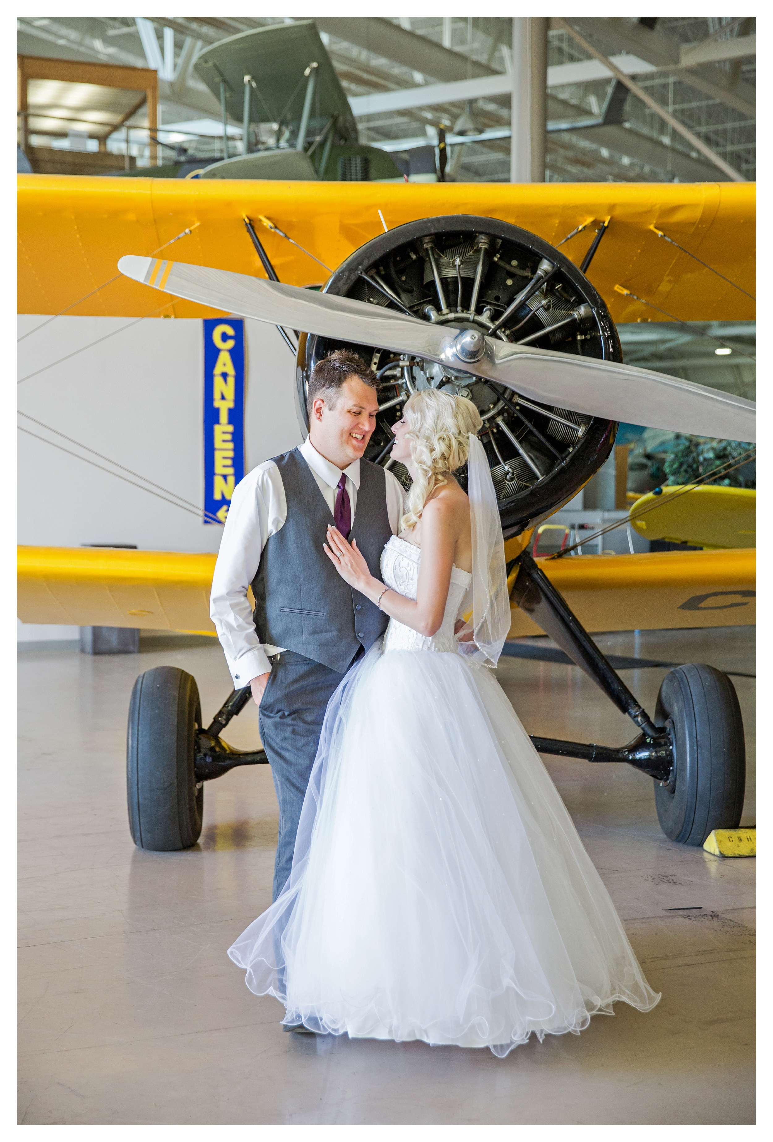 hamiltonwarplanemuseum-wedding_0044.jpg