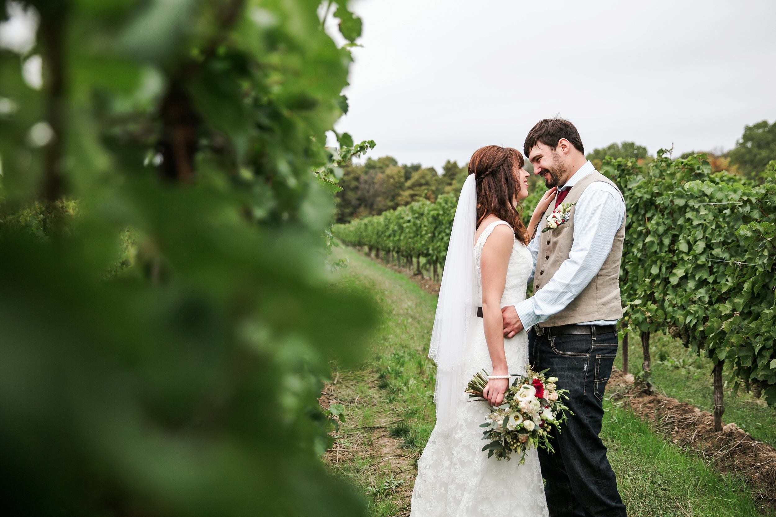 sueannstaff-winery-wedding_0048.jpg
