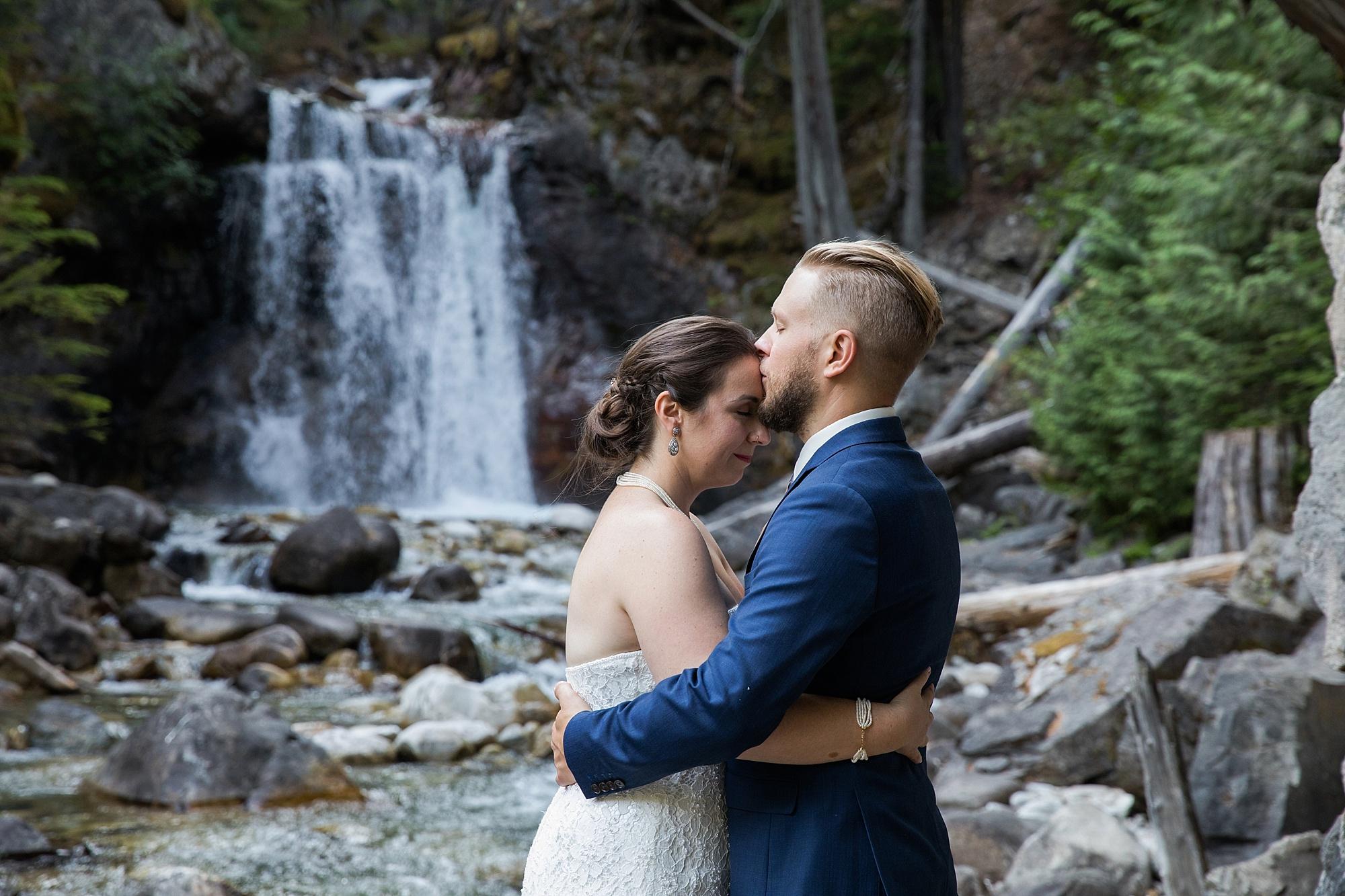 waterfall-wedding_0005.jpg