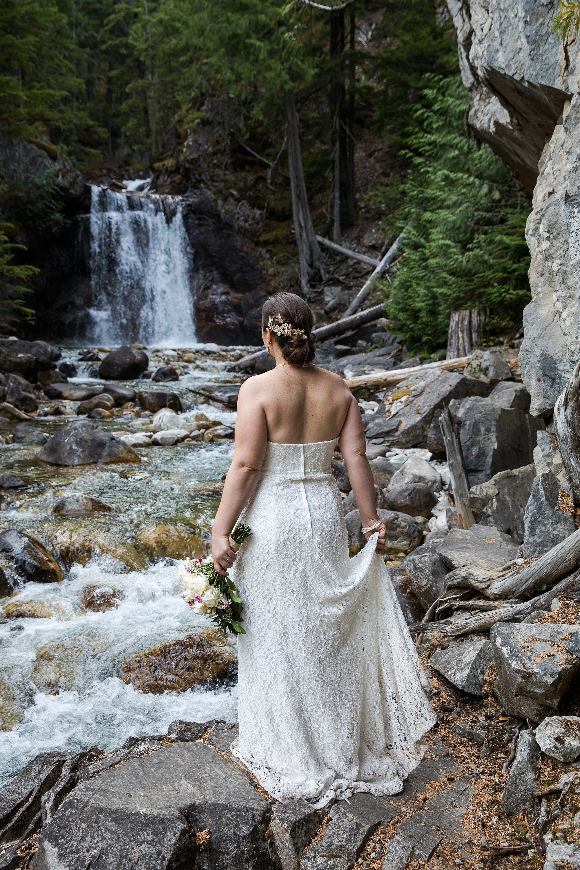 waterfall-wedding_0010.jpg