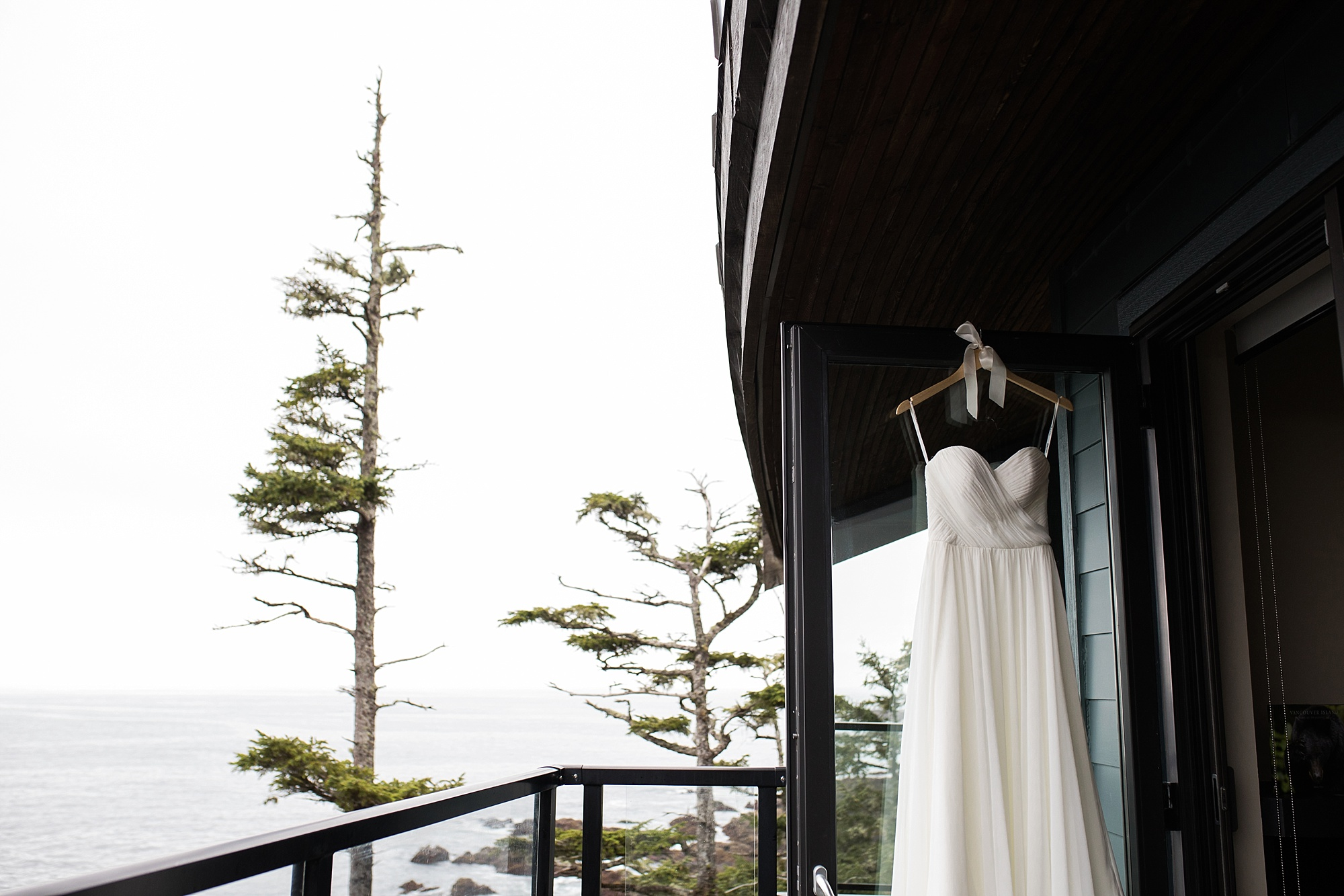 blackrockoceanfrontresort-wedding_0006.jpg