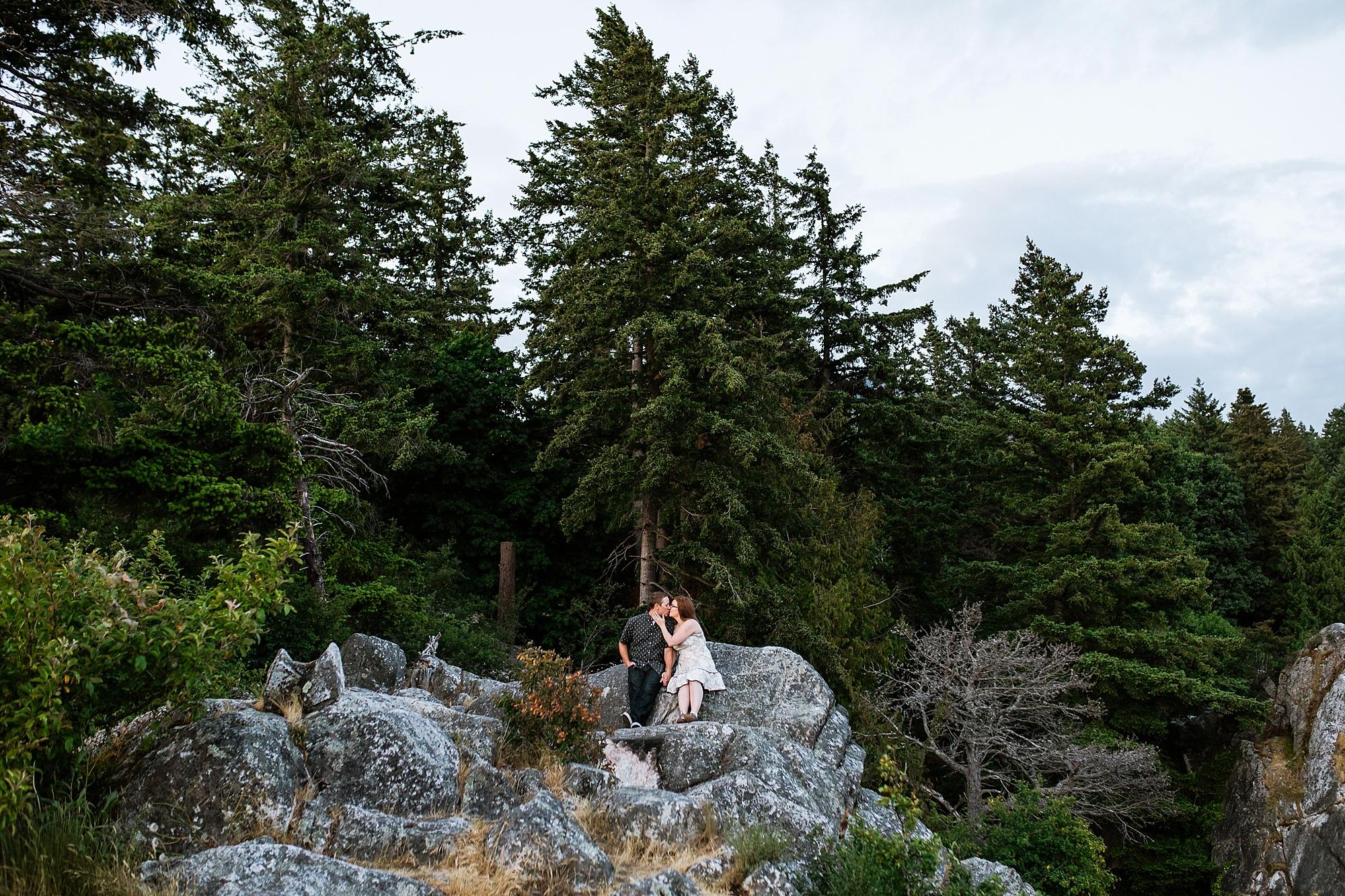 whytecliffpark-engagement_0043.jpg