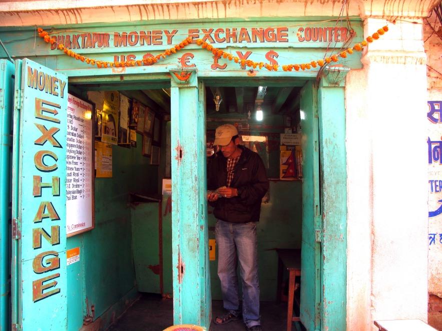 Kat_Money exchange shop.JPG