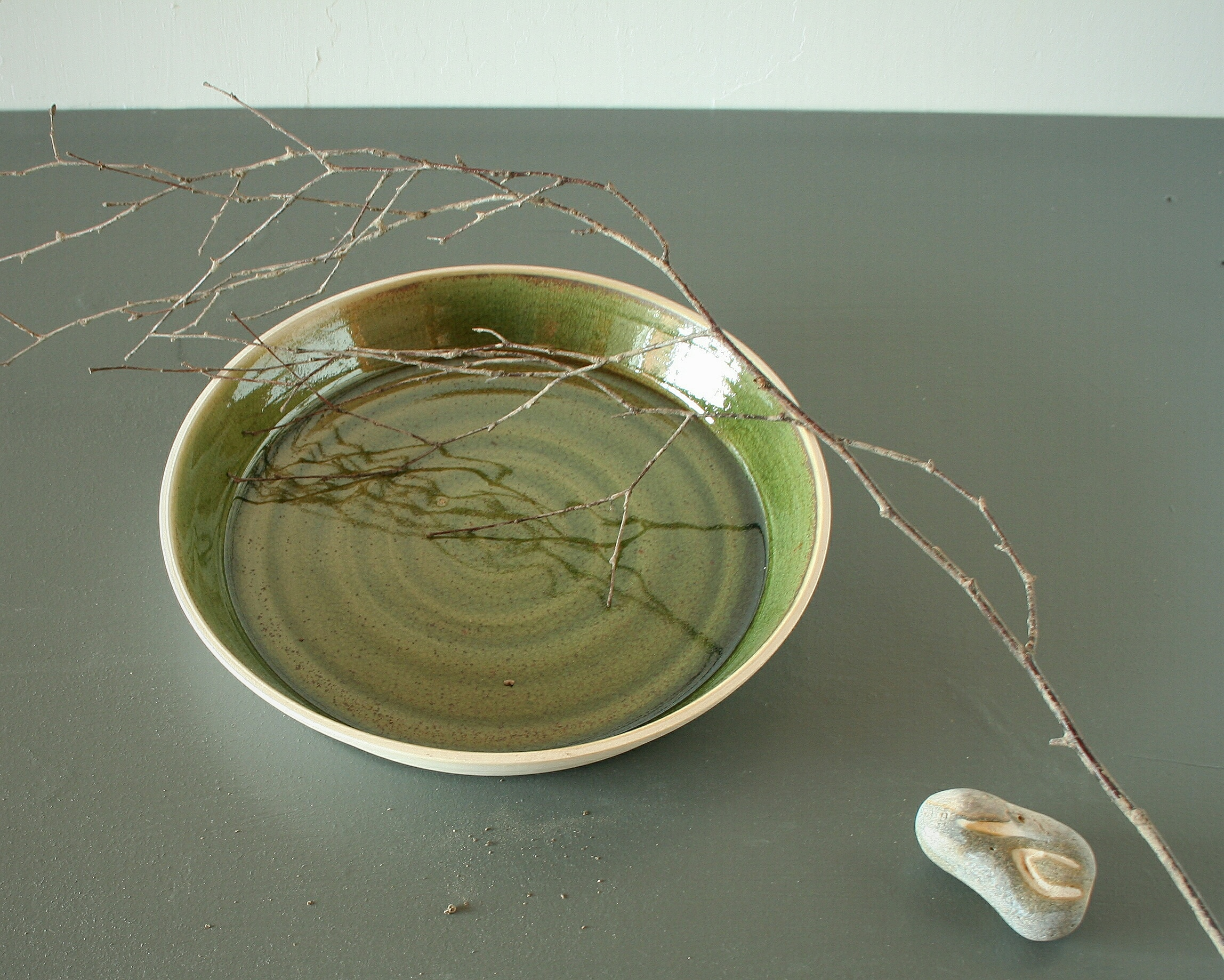 Serving dish in evergreen