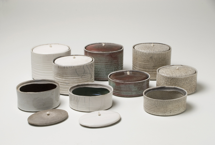 kate-schuricht-raku-oval-containers-greenhalf-photography.jpg