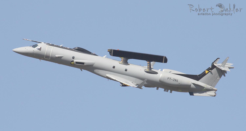 embraer03.jpg