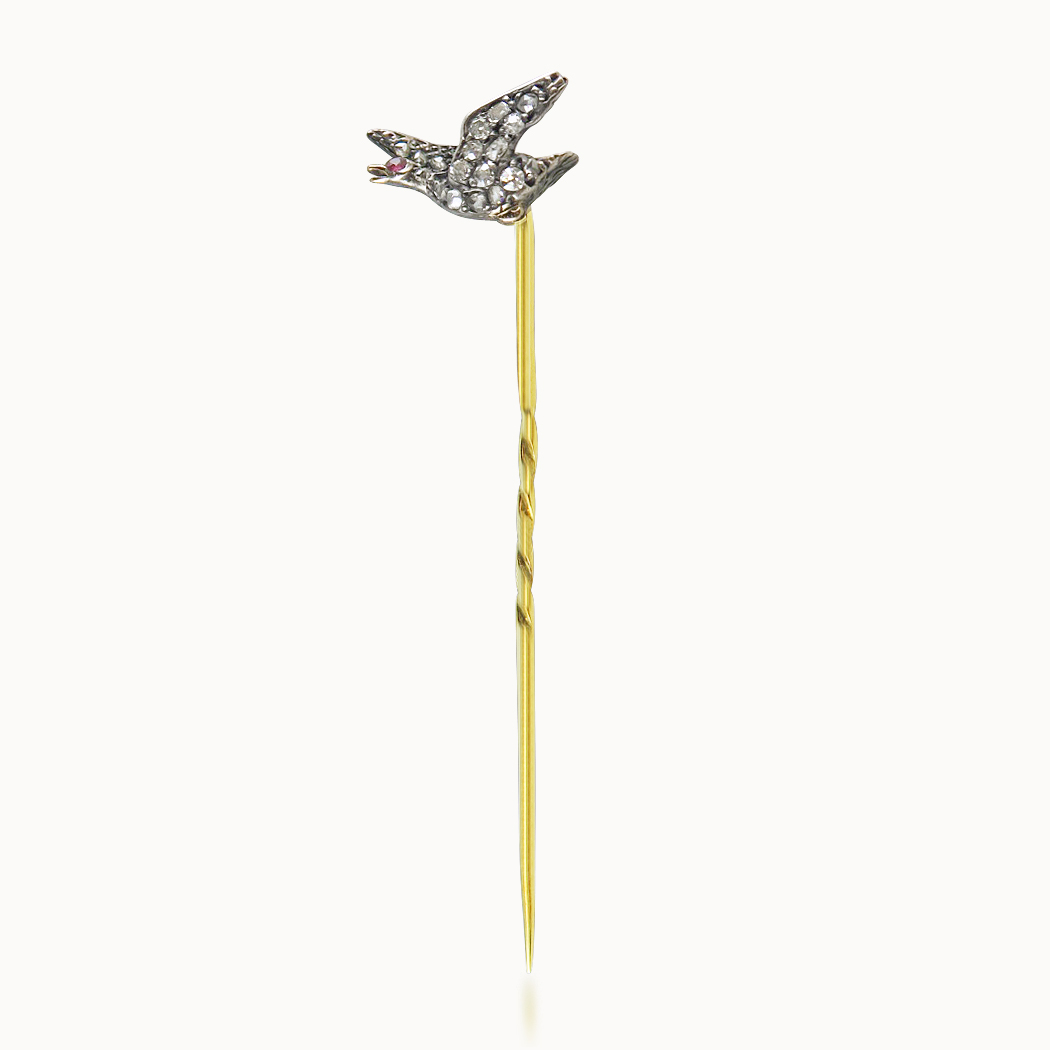 DIAMOND GAME BIRD STICKPIN