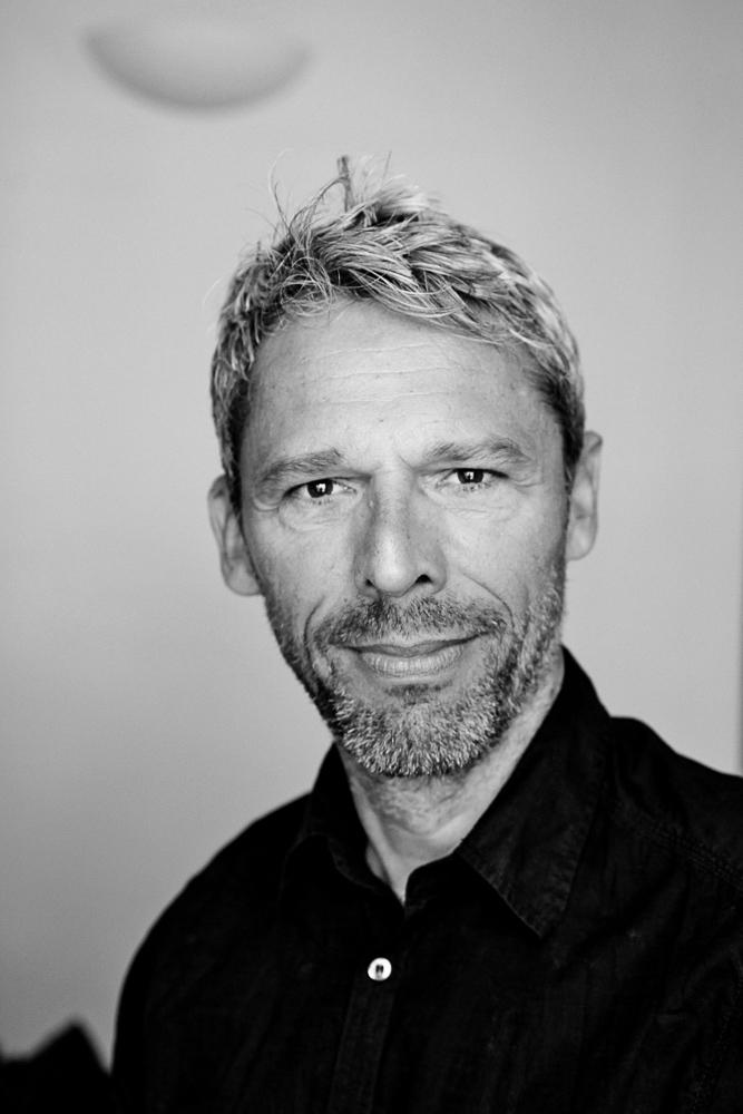 Dirk-Lehmann-The-Smiling-Moon-1.jpg