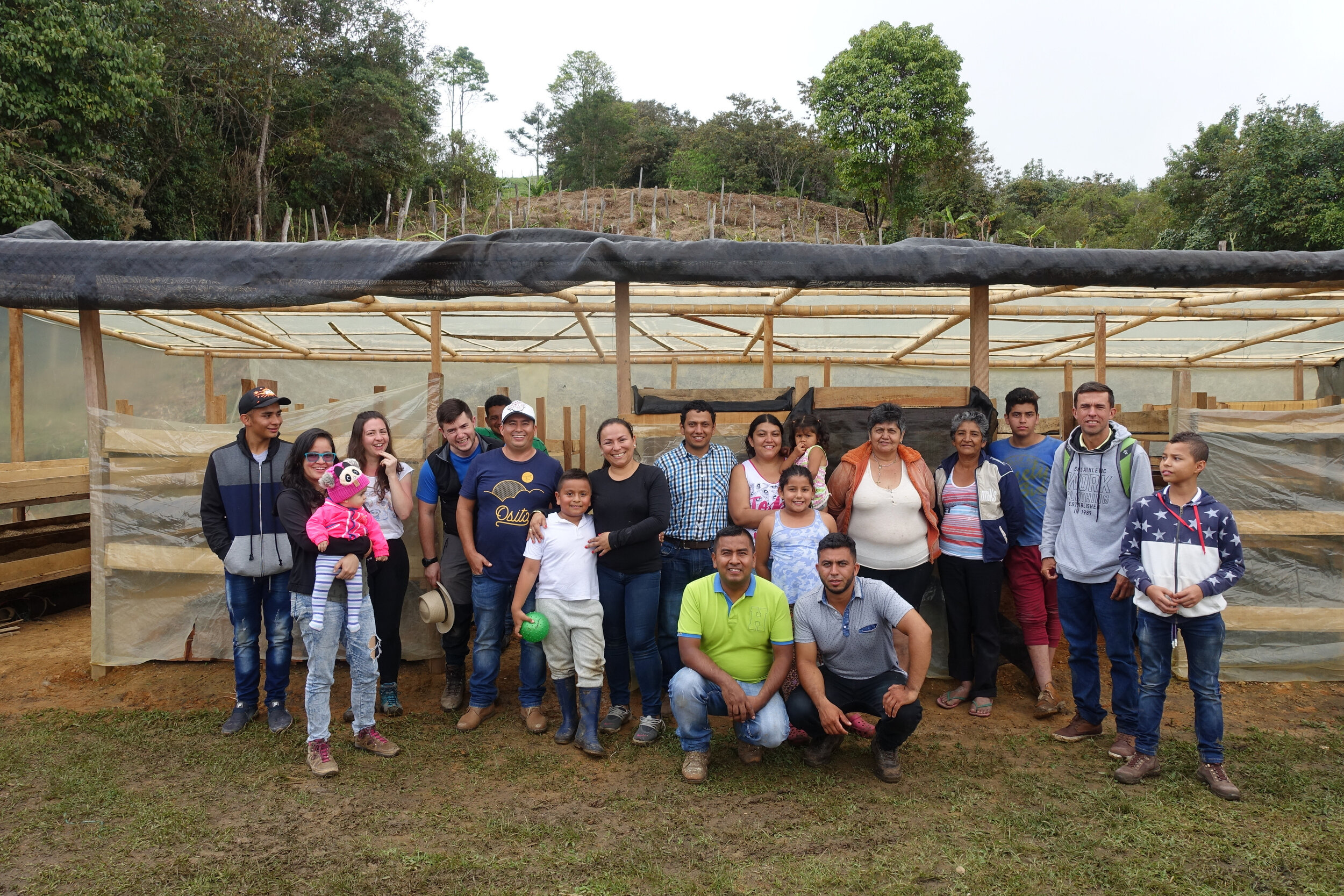 La Flora producer group in front of centralized drying beds / El Pital, Colombia