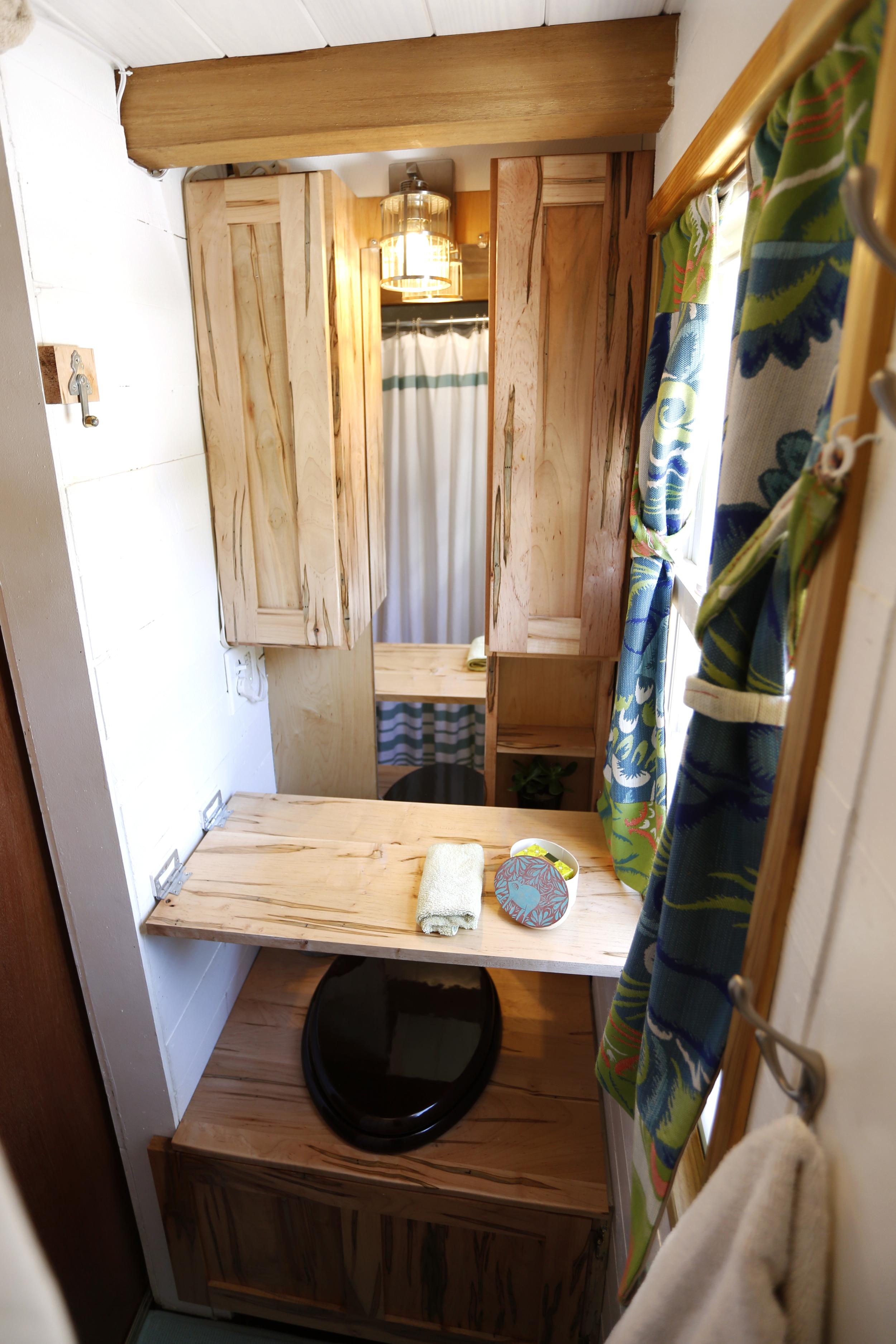 toilet_shelf_down.jpg