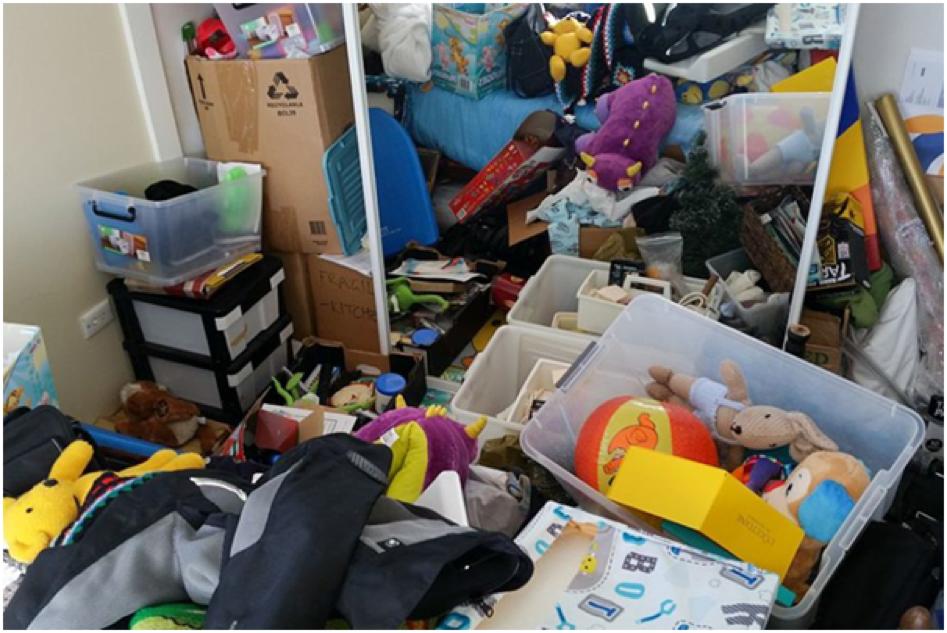 http://www.abc.net.au/news/2017-01-16/clutter-fills-a-family-home/8185170