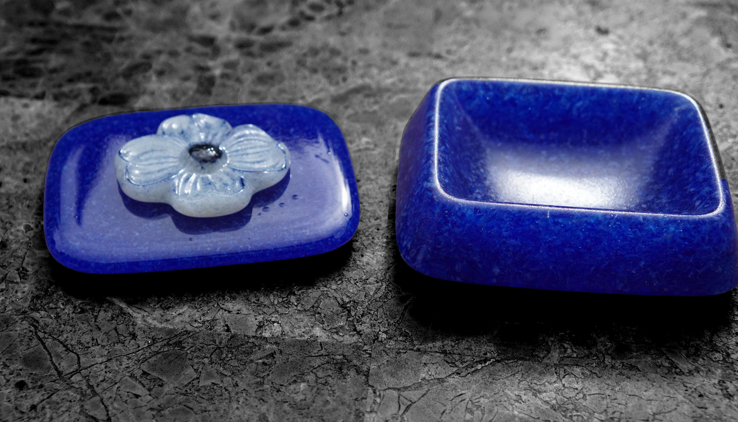 Blue Frit Bowl & Top - Medium.jpg