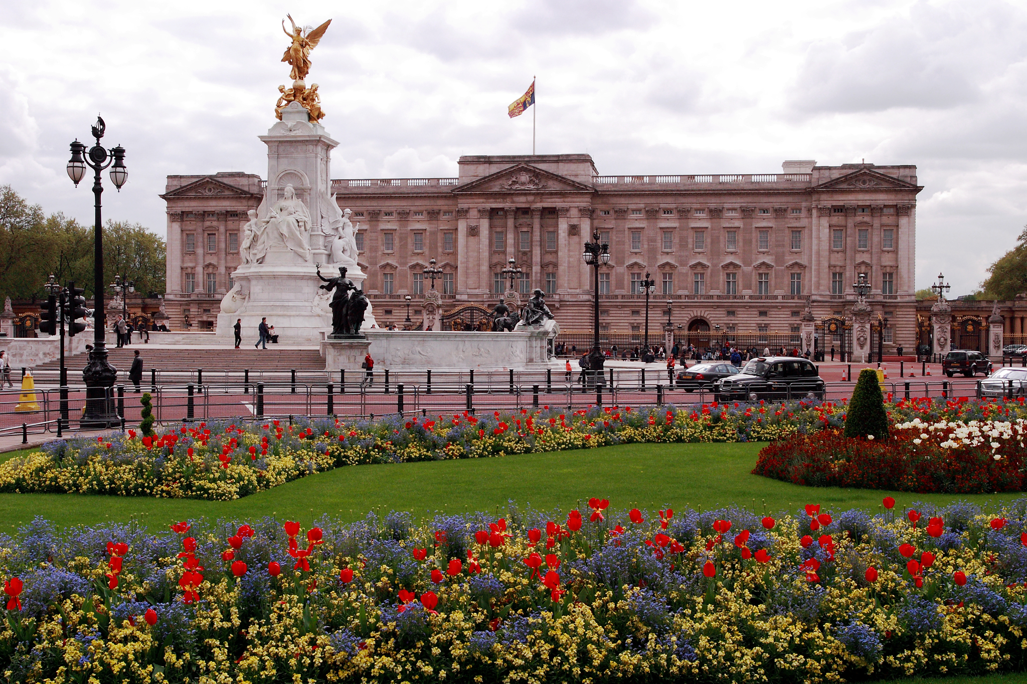 Buckingham Palace -  Just one of many places her Majesty can call home