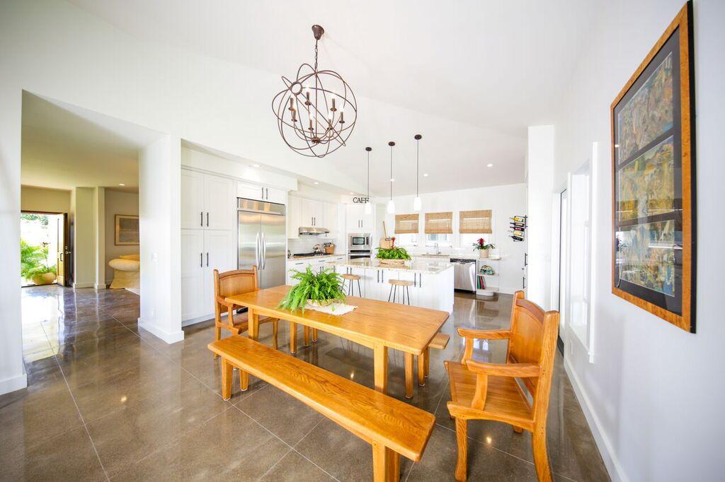 366 Kitchen 2.jpg
