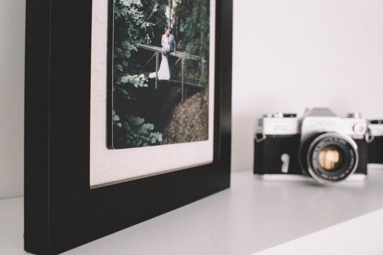 Float Frame -