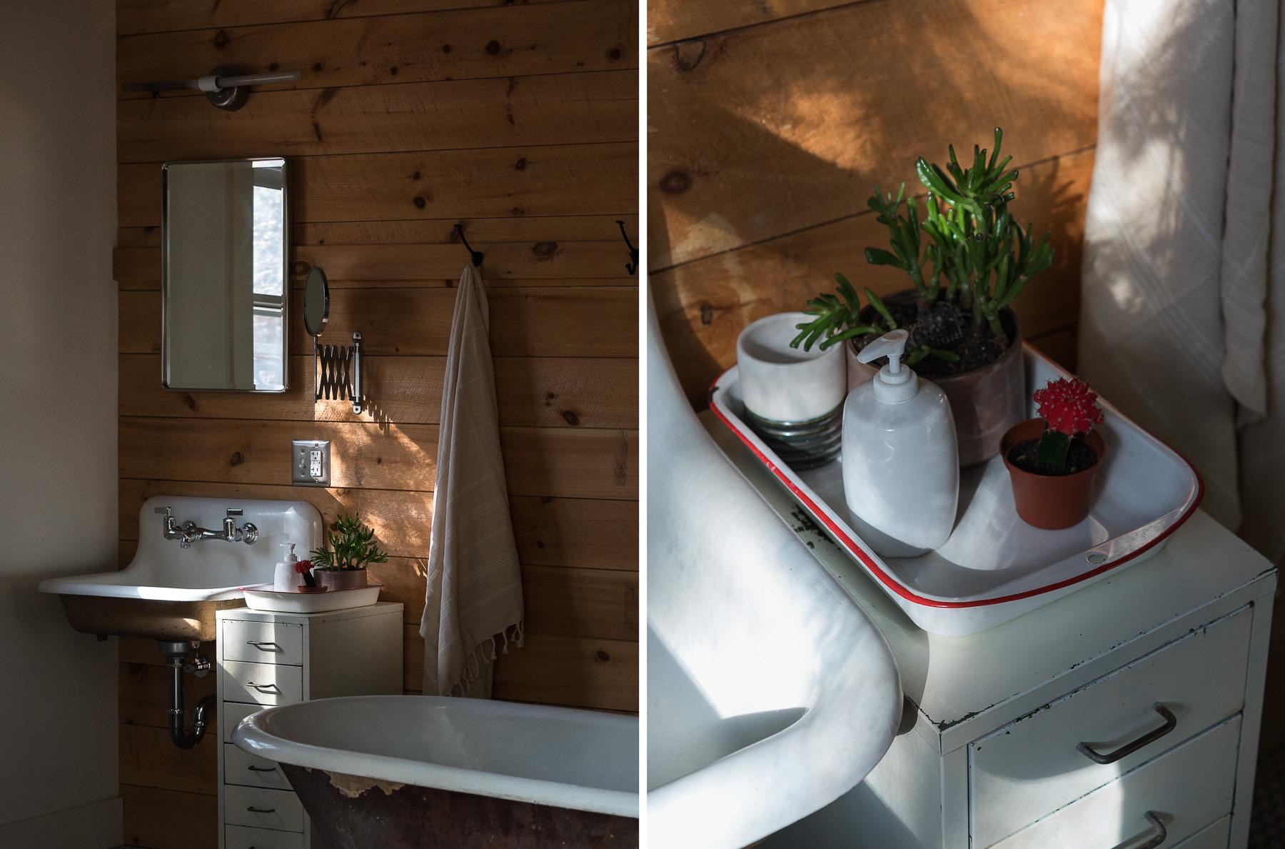 bathroom_dyptych_1-3.jpg
