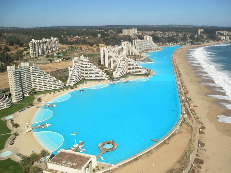 worlds-largest-swimming-pool-11.jpg