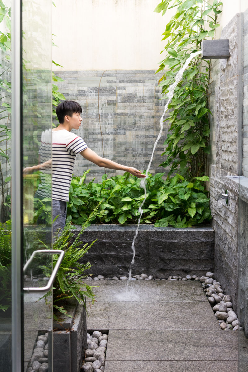 Outdoor showerhead