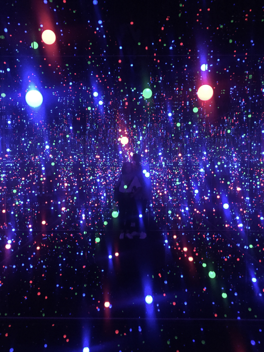 installation by Yayoi Kusama, the polka dot queen. more exhibitions by Kusama   here .