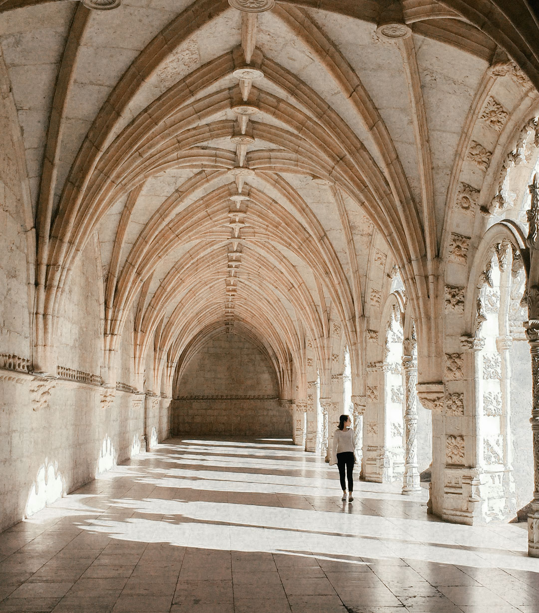 Shadow play at the cloister of   Mosteiro dos Jerónimos