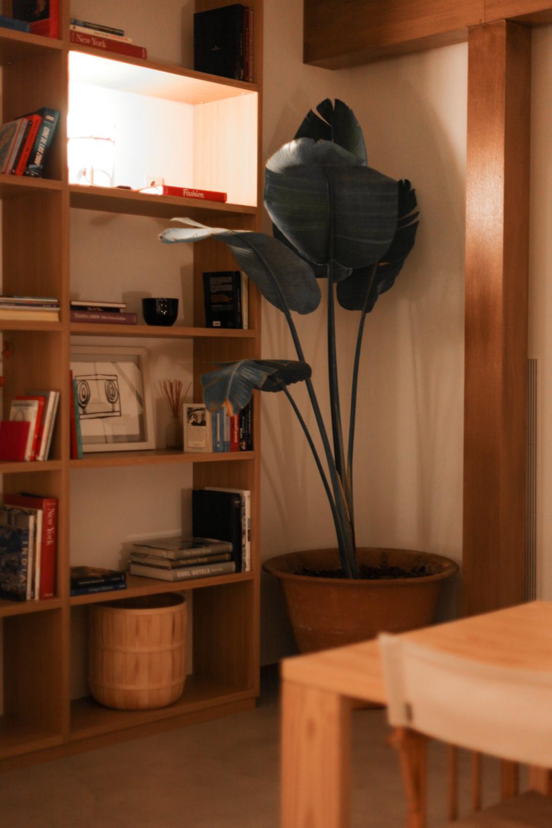 Cozy corner of the lounge.