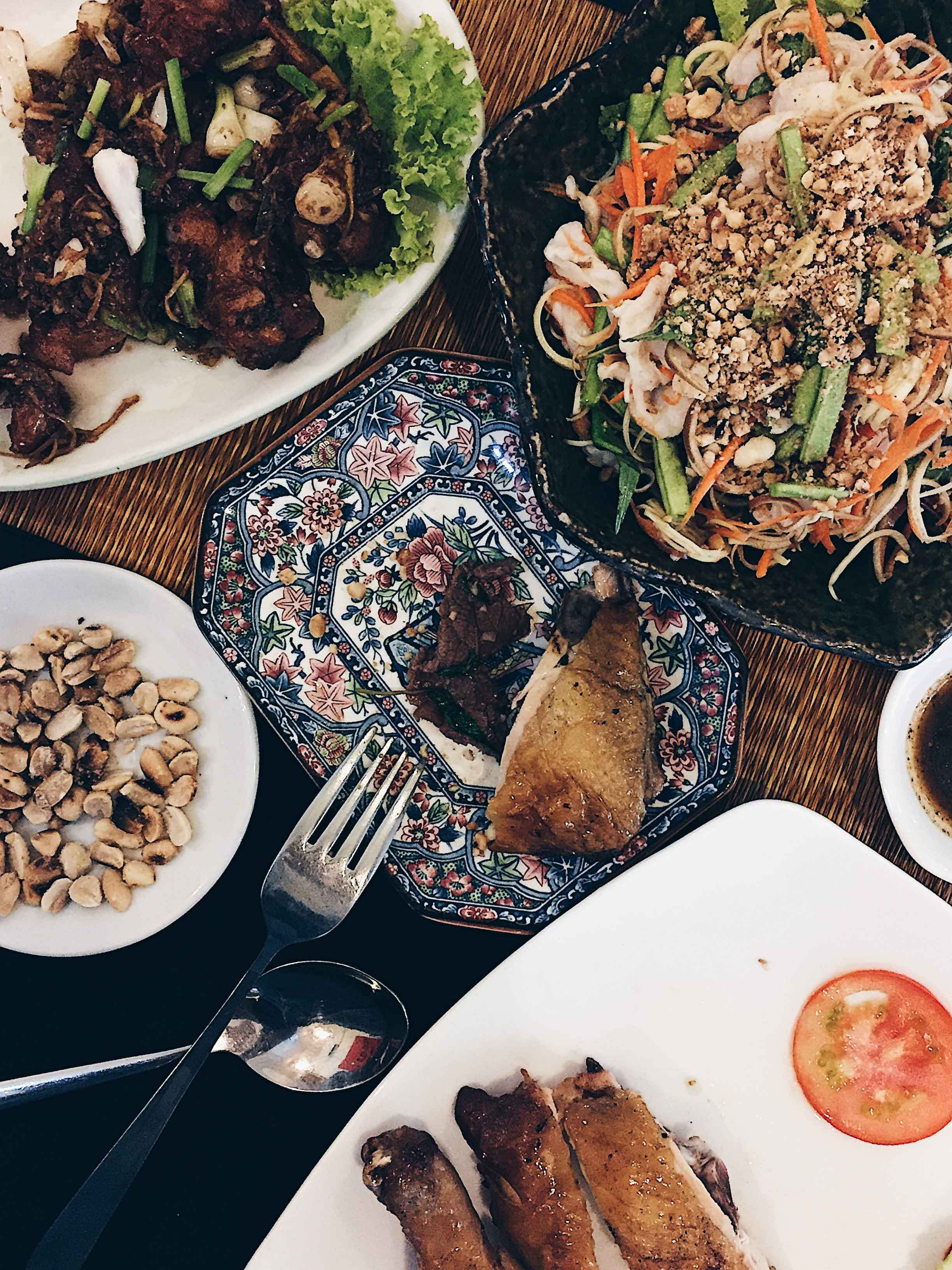 Mok Mony Restaurant : the affordable, authentic local eatery at BKK, favorite of locals and foreigners alike
