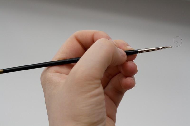 76_31_brush-hand.jpg
