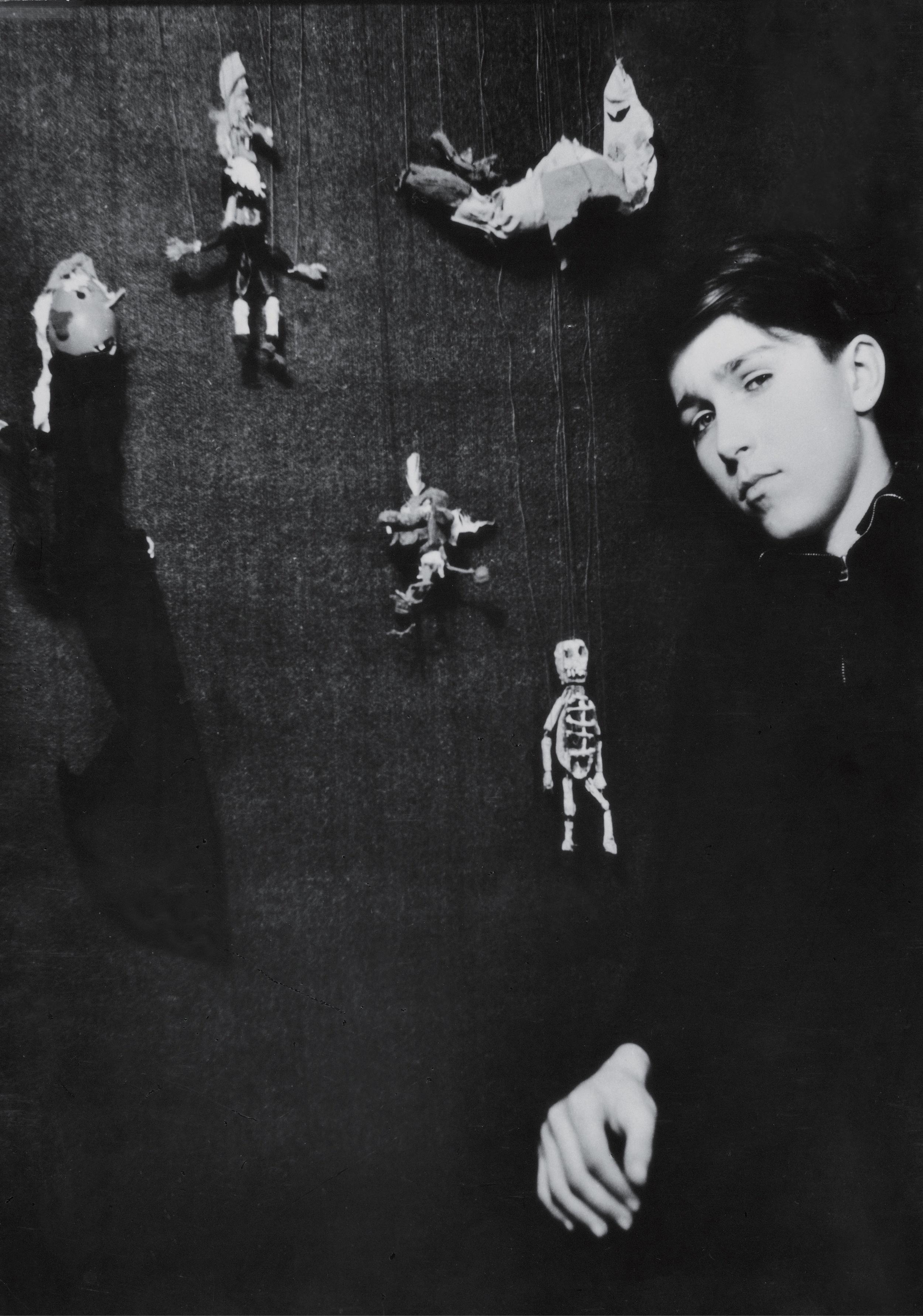 Portrait de Björn FÜLHER à l'âge de 14 ans (1949). Photographie noir et blanc. 35x28,2 cm. Droits réservés. Archives personnelles de Björn FÜHLER. Orbey.