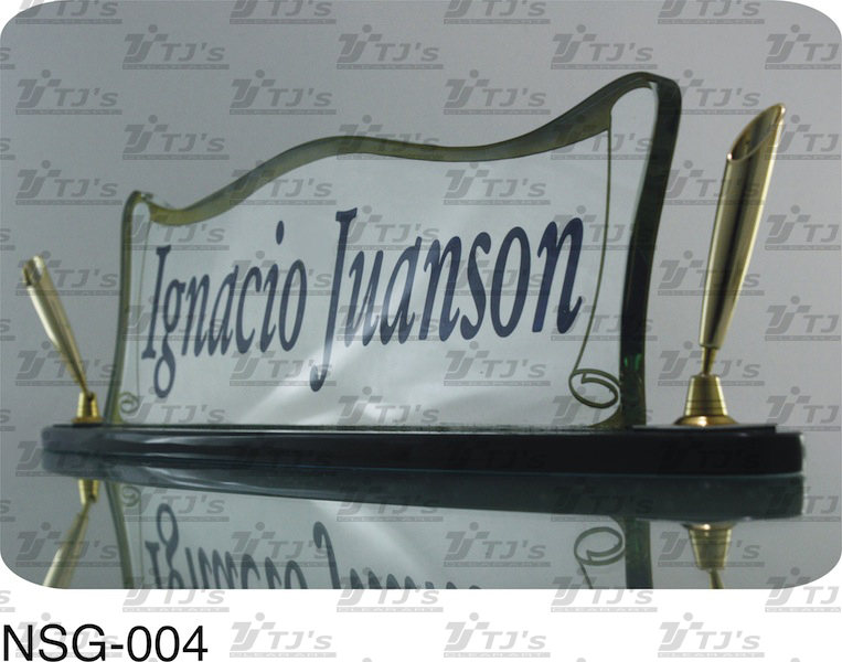 Elegant Glass-Etched Table Name Sign