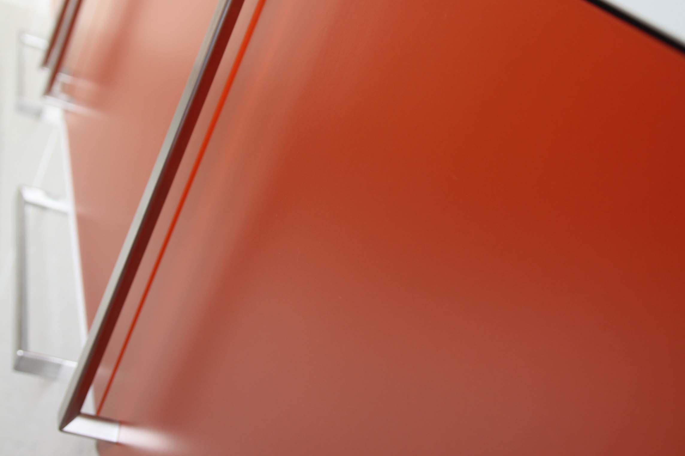 oranje deurtjes.jpg