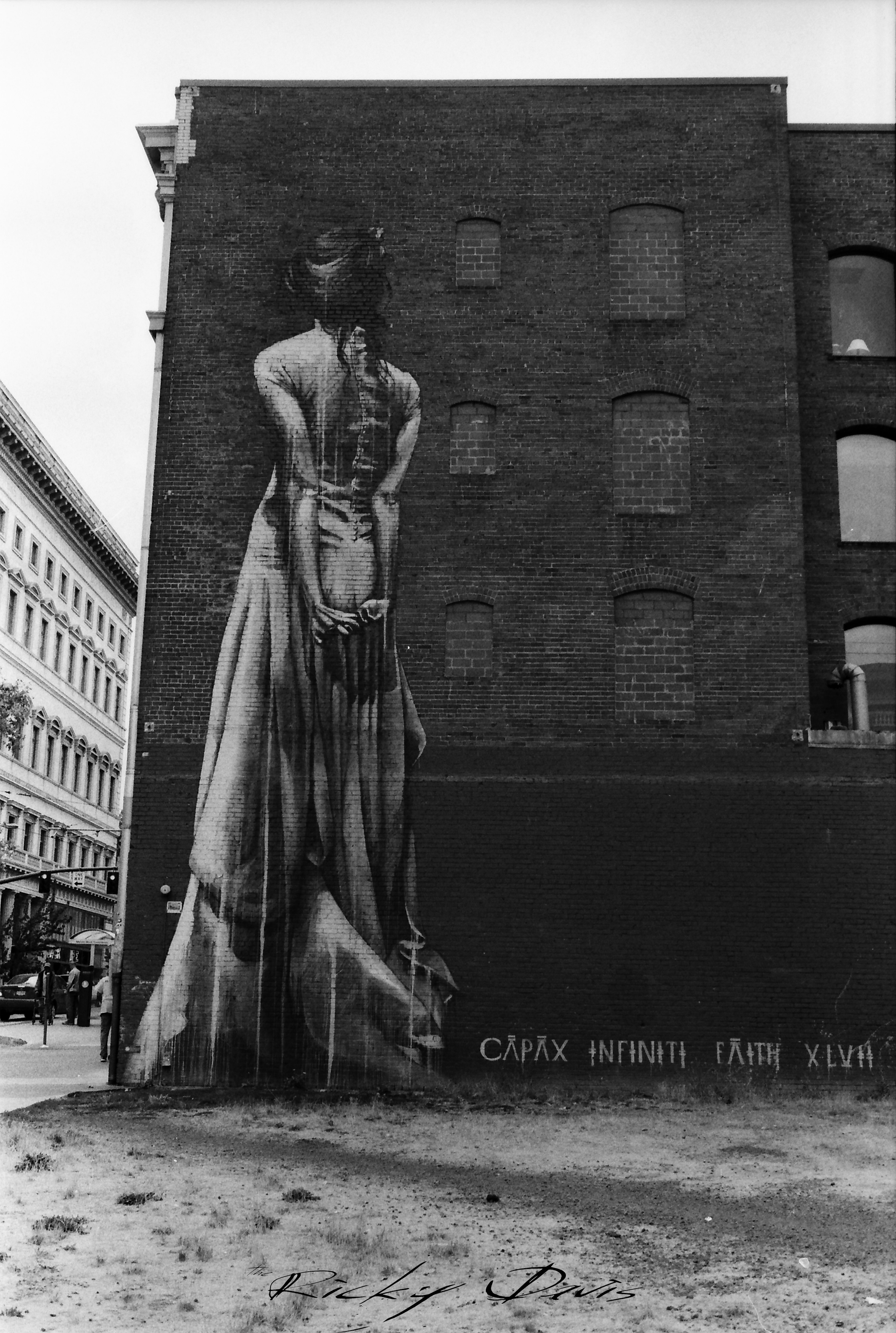 Mural in Portland, OR - Photographer Ricky Davis of TRD Photography - Ilford 400 HP5 Film