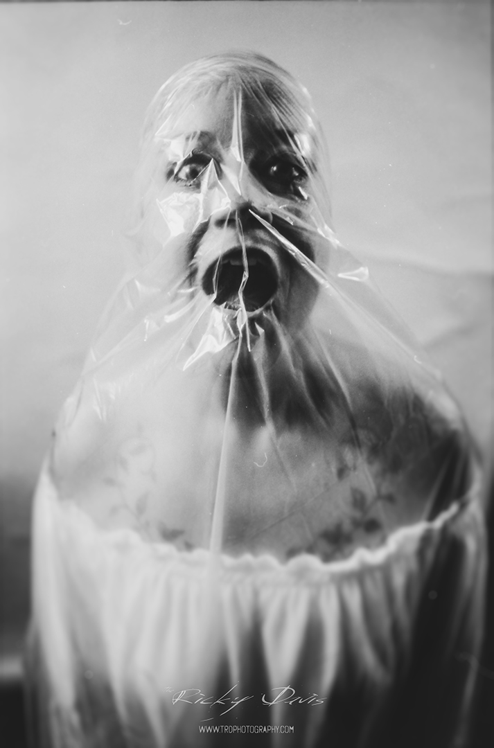 Suffocate - Rani Hovvater - TRD Photography - Film - 2015
