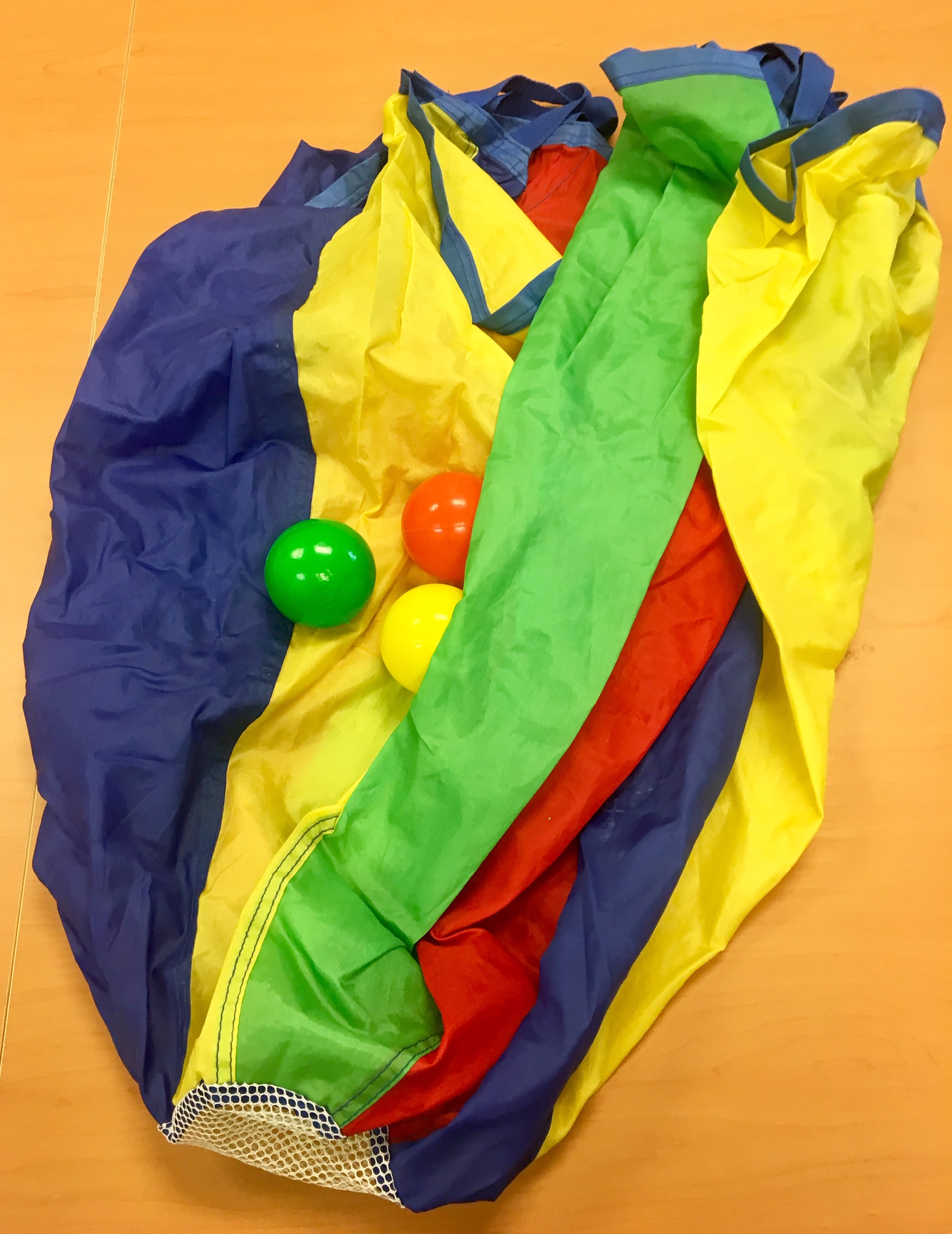 Parachute with balls