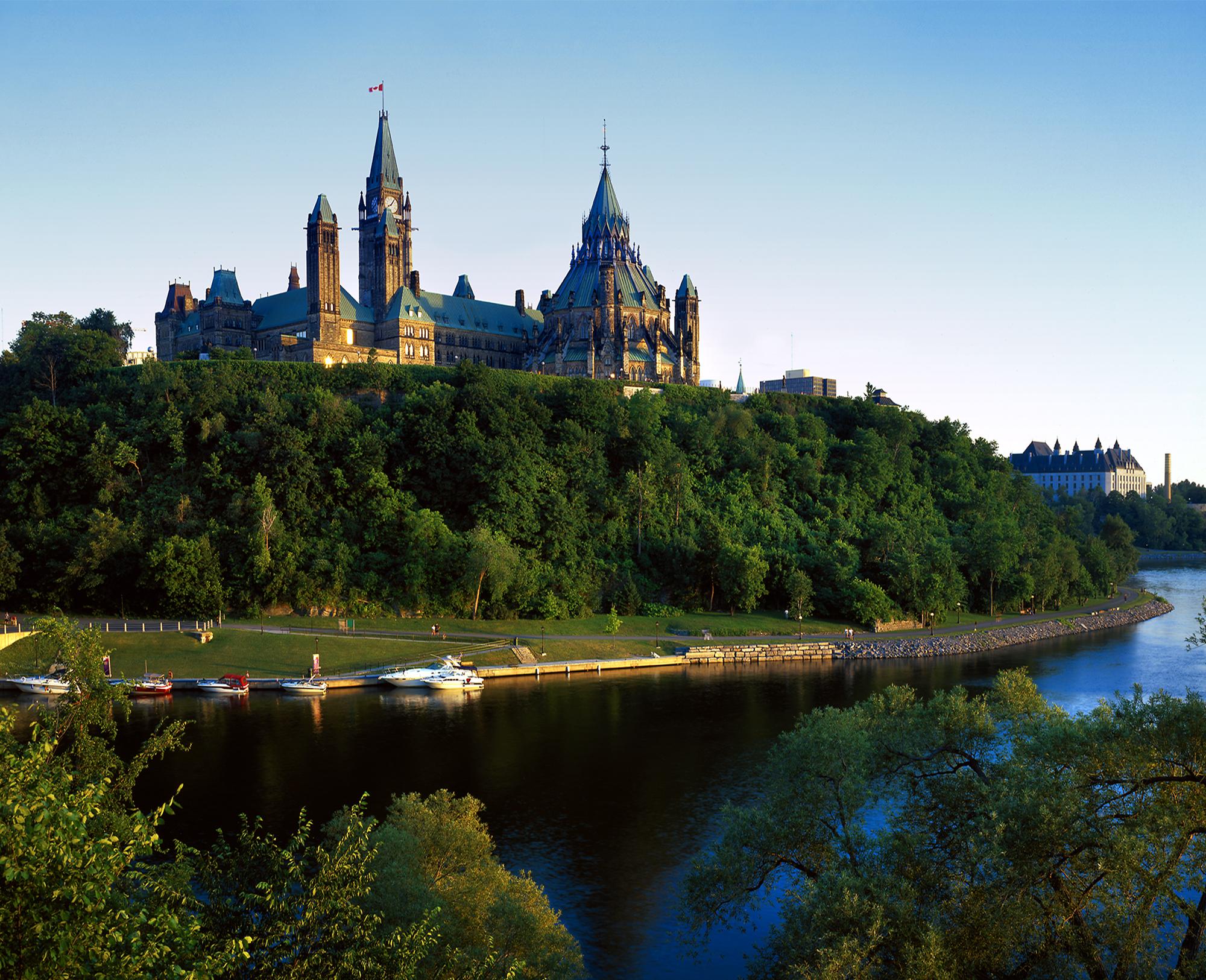 Canada Parliment Bldg.jpg