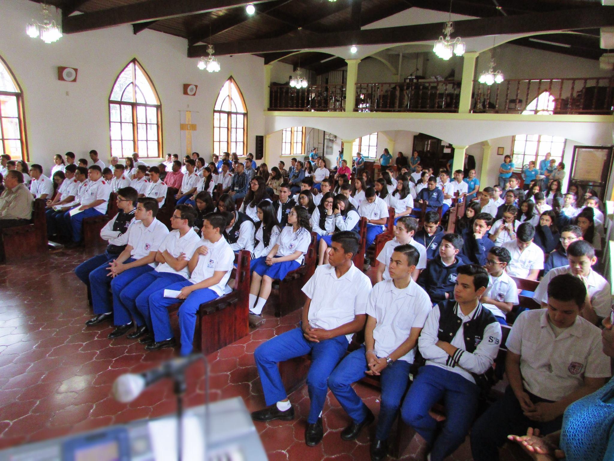 NUESTRA VISIÓN - Saint Mary's Episcopal School logrará proveer a cada estudiante una excelente educación integral e interactiva, que le ayude a enriquecer su creatividad con capacidad crítica, empoderándolo a afrontar su futuro de una forma responsable.