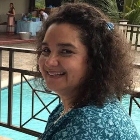 Mrs. Aura Arévalo - Science / Chem. / Biology 7th - 11th Gradearevalo.smes@episcopalhn.org