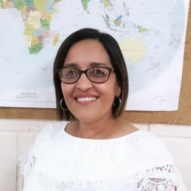 Mrs. Mercedes Espinal - Estudios Sociales / Cívica 7th - 11th Grademespinal.smes@episcopalhn.org