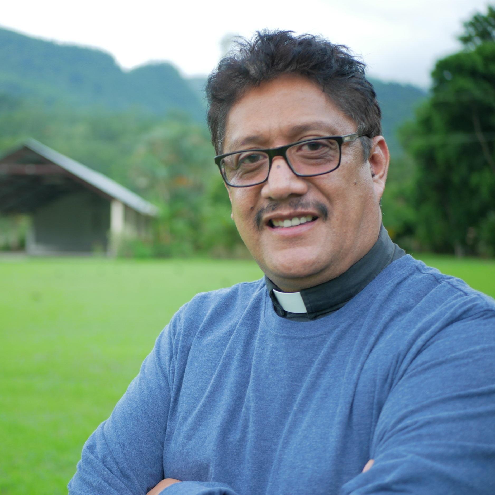 Mr. Gerardo Alonzo - Philosophy / Christianism 7th - 11th Gradegalonzo.smes@episcopalhn.org