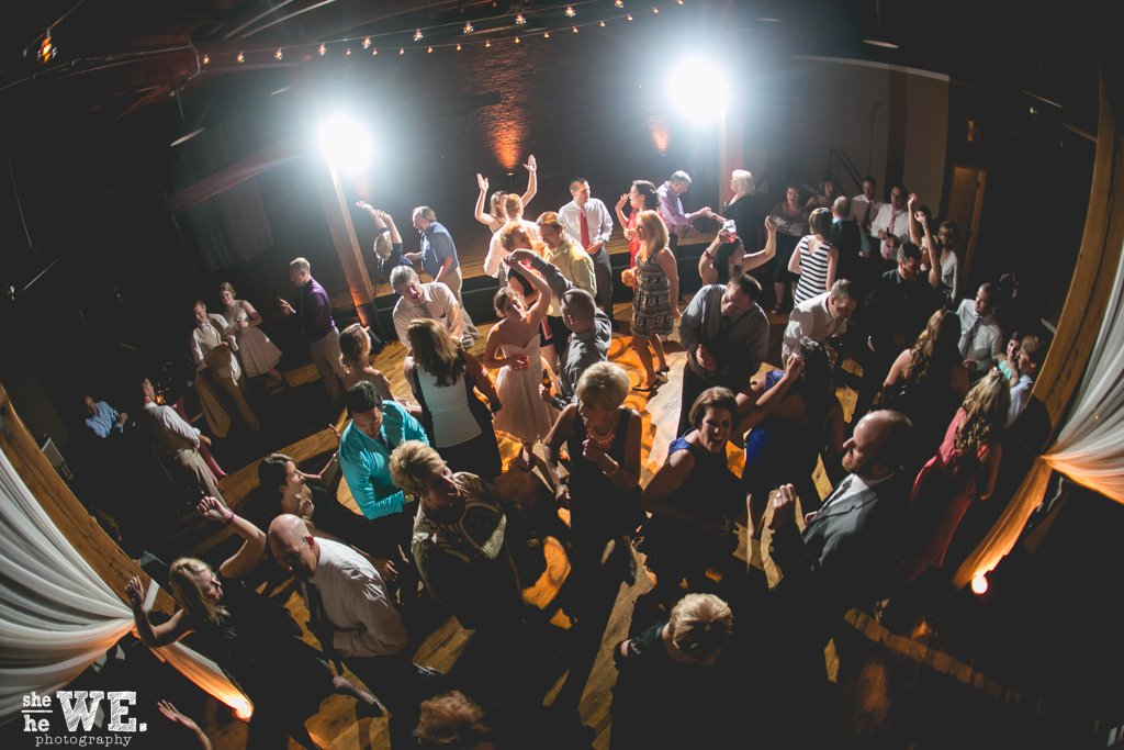 WeddingDJ_versus_LiveWedding Band
