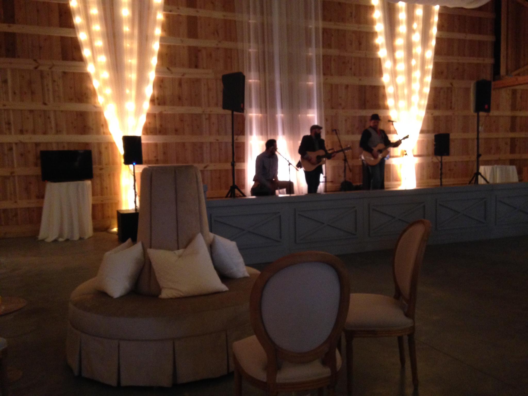 Saddlewoodsfarm-barn-nashville-wedding