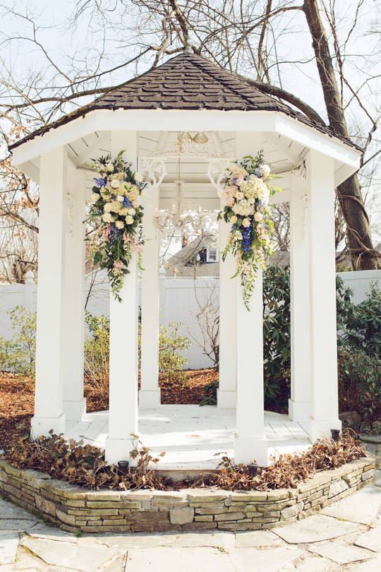 CJs-Off-the-Square-Outdoor-Garden-Wedding-Navy-and-Blush-Amy-Nicole-Photo-9.jpg