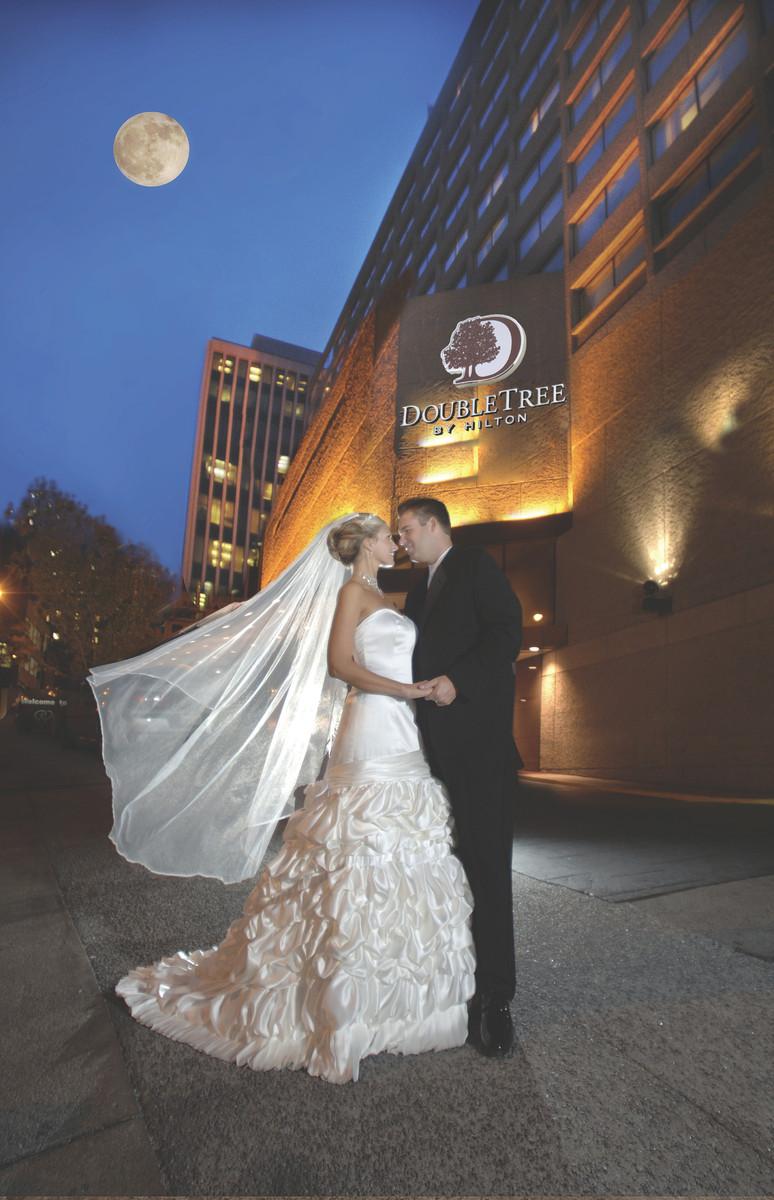 1200x1200_1445550802804-dt-nashville-downtown-2011-wedding-photo.jpg