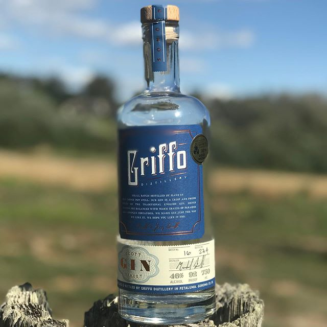We sure are feeling this beautiful Sonoma County day! All our neighbors are hauling their grapes in and the mornings are cooling off. Fall is definitely on the way. #sonomacounty #griffodistillery #scottstreetgin #lovewhereyoulive