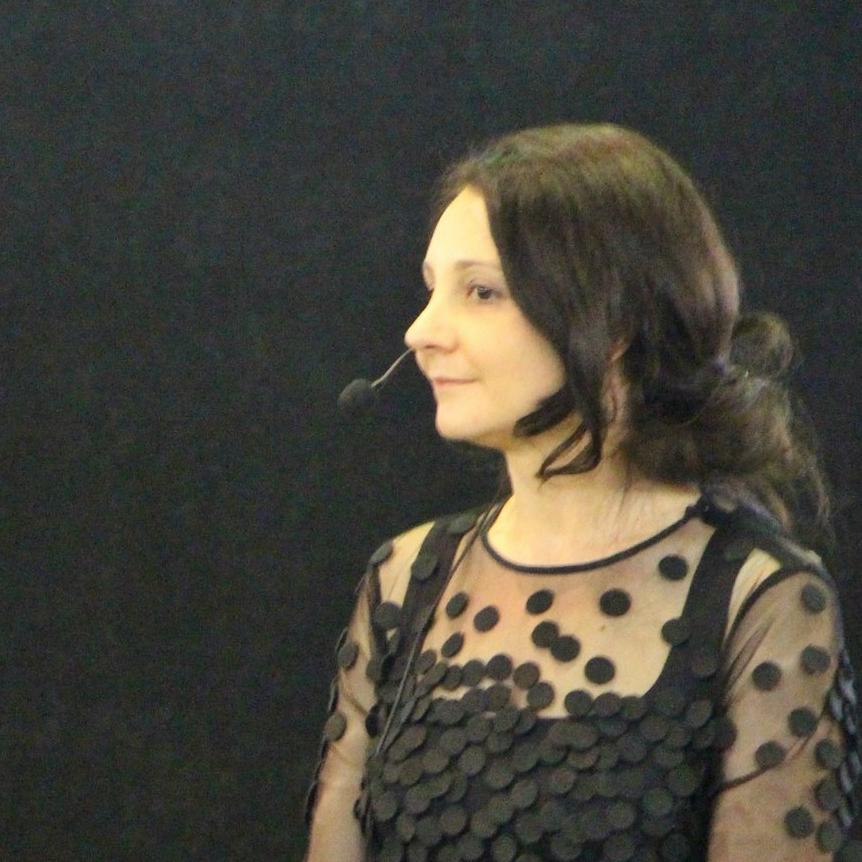Tina V. Vavpotič