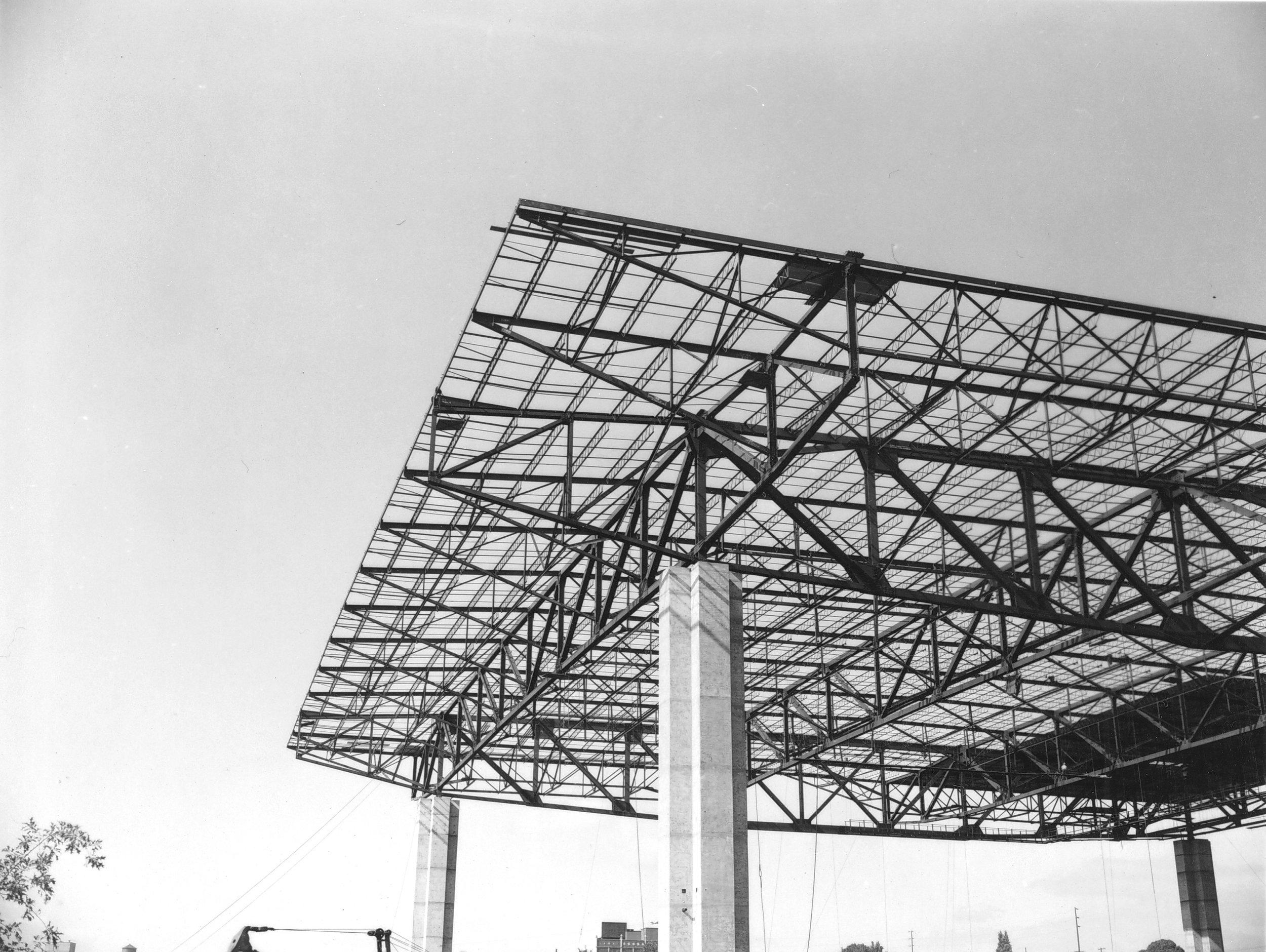Veterans_Memorial_Coliseum_construction_(3) (1).JPG